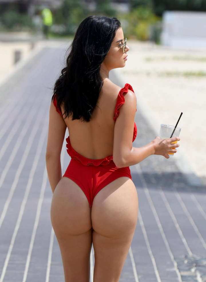Demi Rose Galeri demi rose Galeri: Demi Rose Demi Rose Mawby Sexy Swimsuit 8